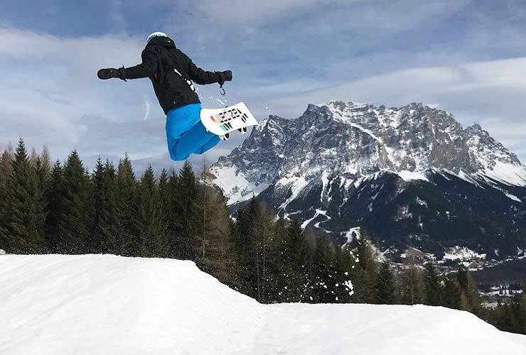 ski-coach in de skilift